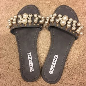 Pearl Slippers size8.5